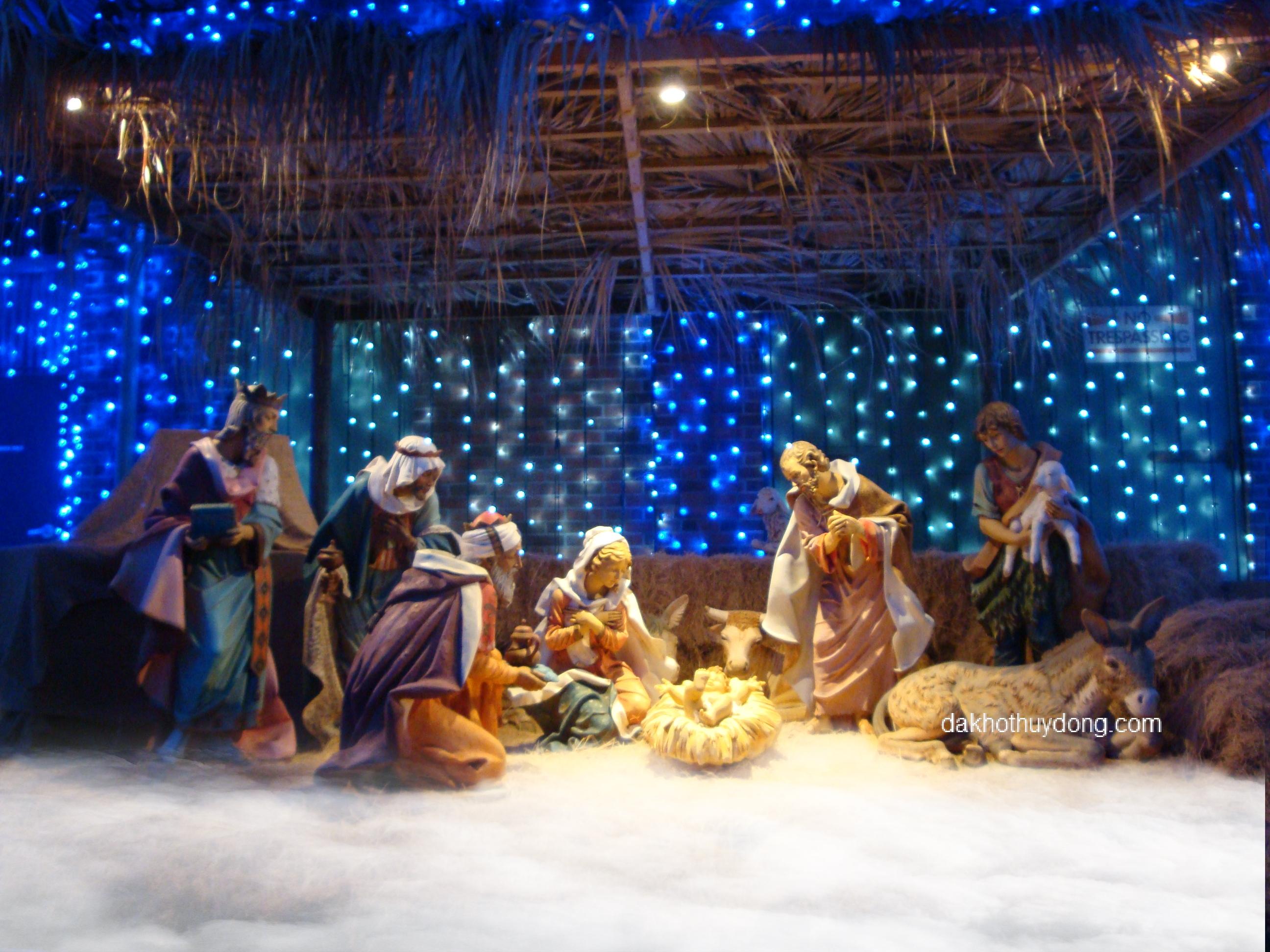 Đá khô tạo khói trang trí hang đá dịp Giáng Sinh